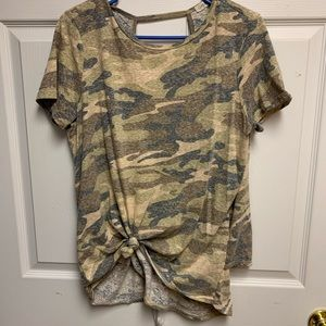 Camo open back tee from buckle